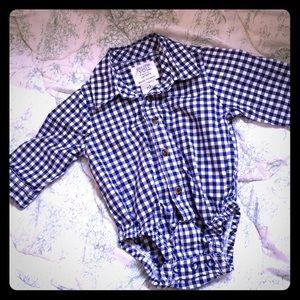 💰5/$25💰NB Navy blue plaid button up onesie